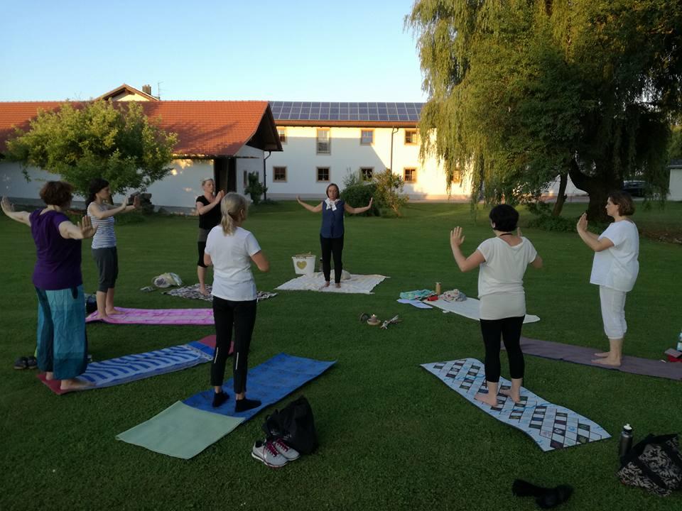 herz yoga übungen